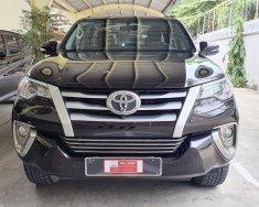 Cần bán lại xe Toyota Fortuner đời 2017, màu đen, xe nhập, giá tốt giá 880 triệu tại Tp.HCM