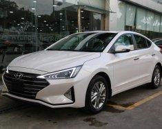 Bán ô tô Hyundai Elantra 1.6 MT đời 2020, màu trắng, 570 triệu giá 570 triệu tại Gia Lai