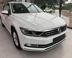 Cần bán xe Volkswagen Passat BM Comfort, màu trắng, nhập khẩu chính hãng giá 1 tỷ 380 tr tại Quảng Ninh