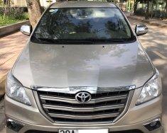 Cần bán lại xe Toyota Innova E đời 2015, màu vàng, 425tr giá 425 triệu tại Hà Nội