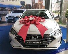 Cần bán gấp Hyundai Elantra 1.6 MT đời 2020, màu trắng giá 560 triệu tại Gia Lai