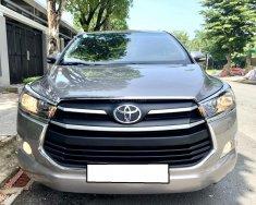Nhà mình cần bán Toyota Innova 2018, số sàn, màu xám cọp zin giá 588 triệu tại Tp.HCM