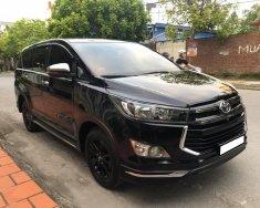 Xe gia đình bán Toyota Innova ventuner 2018, số tự động, màu đen giá 738 triệu tại Tp.HCM