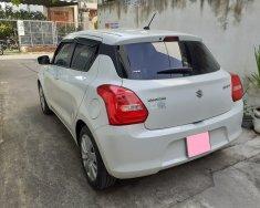 Kẹt tiền buôn bán, bán lại Suzuki Swift 2020 AT, màu trắng giá 498 triệu tại Tp.HCM