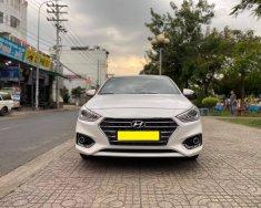 Mình cần bán Hyundai Accent 2018, tự động, bản Full cao nhất màu trắng giá 498 triệu tại Tp.HCM