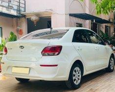 Nhà tôi đang cần bán Kia Soluto 2020 MT màu trắng giá 386 triệu tại Tp.HCM
