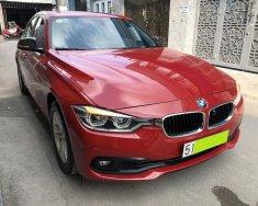 Nhà tôi cần bán BMW 320i Model 2017 nhập Đức, số tự động, màu đỏ tươi giá 952 triệu tại Tp.HCM