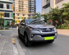Nhà mình cần bán Toyota Fortuner đời 2020, số tự động, máy dầu, màu bạc giá 1 tỷ 56 tr tại Tp.HCM
