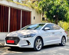 Mình cần bán xe Huyndai Elantra 2019, số tự động, bản 2.0, màu trắng giá 616 triệu tại Tp.HCM