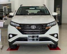 Toyota Rush 1.5AT khuyến mãi tháng 4 giá 633 triệu tại Tp.HCM