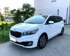 Cần bán xe Kia Sedona 2017, bản full xăng GATH, màu trắng giá 743 triệu tại Tp.HCM