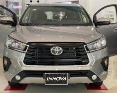 Cần bán Toyota Innova E đời 2021, màu bạc giá 750 triệu tại Tp.HCM