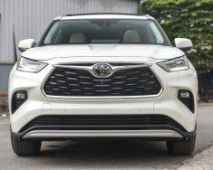 Bán xe Toyota Highlander Platinum Hybird đời 2021, màu trắng, xe nhập giá 4 tỷ 260 tr tại Hà Nội