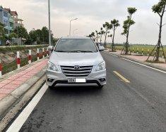 Tôi cần bán chiếc xe ô tô Toyota Innova 2.0E màu ghi bạc sx 2016 giá 415 triệu tại Hà Nội