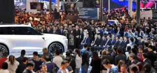 Covid-19 diễn biến phức tạp khiến triển lãm ô tô Bắc Kinh phải dời lịch tổ chức