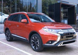 Cần bán Mitsubishi Outlander CVT đời 2019, màu đỏ, nhập khẩu nguyên chiếc